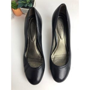 Arturo Chiang black heels Leather shoes